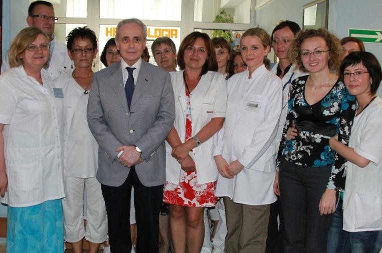 Jose Carreras z wizytą na Oddziale Hematologii w Toruniu